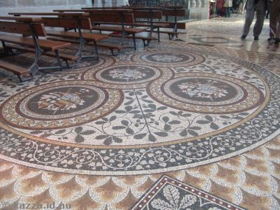 The floor in some parts had some beautiful mosaics