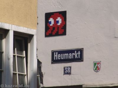 Space Invader - Corner of Heumarkt and Salzgasse