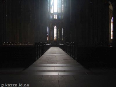 The main aisle of the cathedral - completely deserted!  I was amazed..