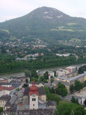Looking over Nonnberg abbey to Gaisberg