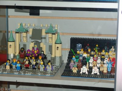 I have some dioaramas of Harry Potter and Star Wars characters just like these ones :)