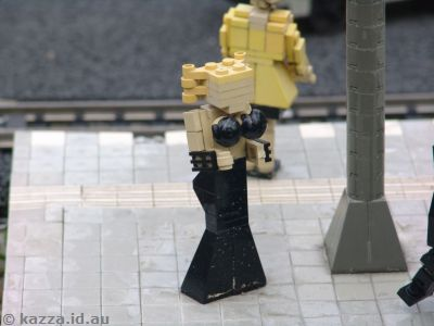 Lady with minifig hair for a top