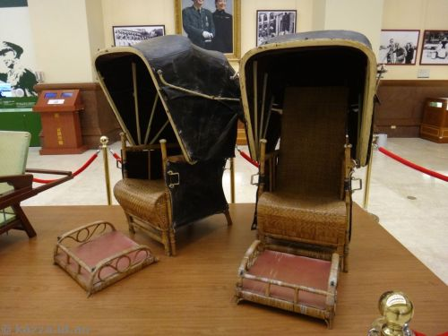 Sedan chairs used to carry Chiang when he visited Jiaobanshan Guestouse, his residence in Taoyuan