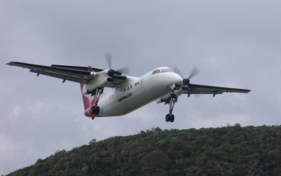 Qantas Dash 8 taking off from Lord Howe Island