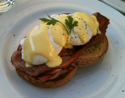 Eggs Benedict at Black Pepper