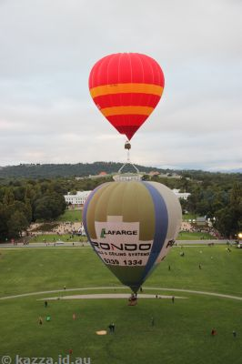 Balloon Aloft balloon flight, Canberra Balloon Fiesta 2011