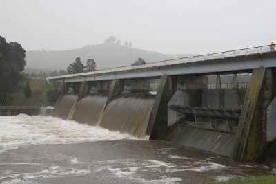 Scrivener Dam overspill