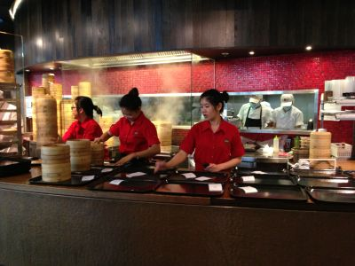 Din Tai Fung production line