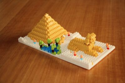 Nanoblock pyramid and sphynx