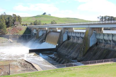 Scrivener Dam one gate open