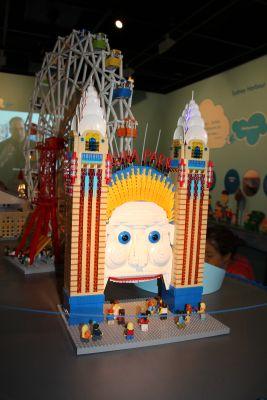 Luna Park in Lego