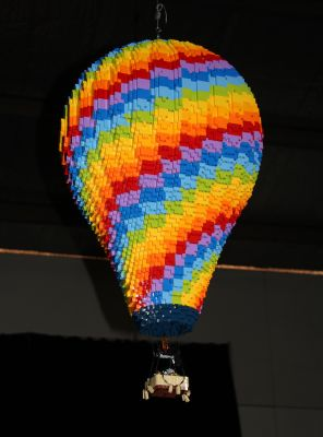Hot air balloon in Lego