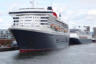 Queen Mary 2 and MS Rotterdam in Quebec