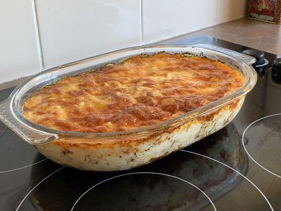 Cheesy beef casserole