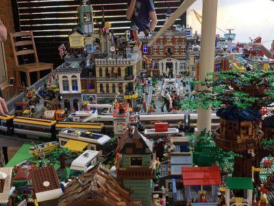 Ngunnawal Christmas Lego Show