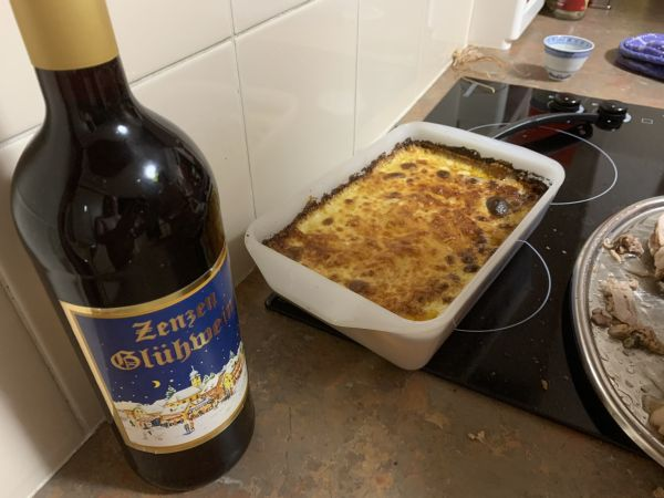 Gluhwein and potato bake