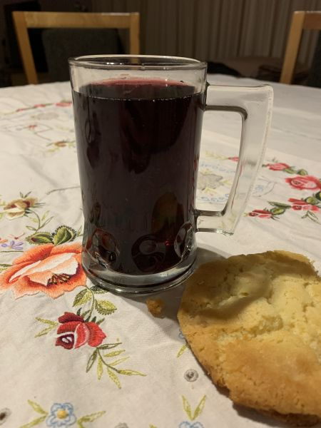 Mulled wine and a cookie