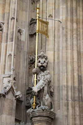 I think this lion on the Houses of Parliament is poking its tongue out at me!