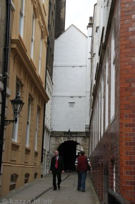 Walking up Inner Temple Lane
