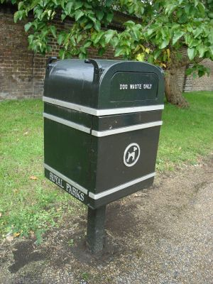 Doggy poop bins in Kensington Gardens