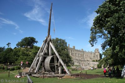 Trebuchet outside the castle