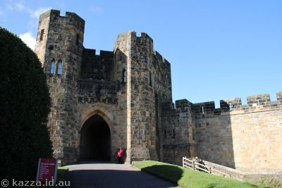 Entrance to Alnwick Castle