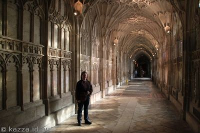 Me in Gloucester Cathedral cloisters