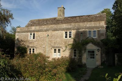House in Lacock used in Philosopher's Stone as James & Lily's   house
