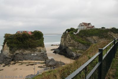 Cool house on top of rocks in Newquay
