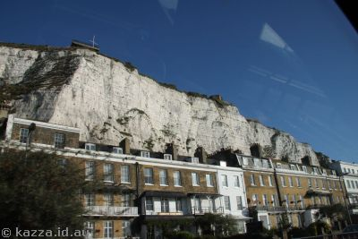 Buildings under the White Cliffs in Dover