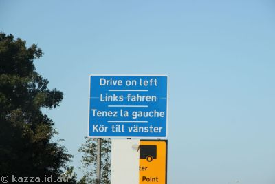 Reminding Europeans to drive on the left