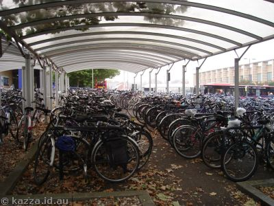 Bicycle parking at Oxford Station