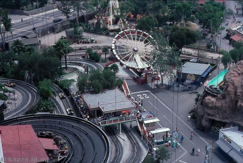 Knott's Berry Farm from Sky Cabin showing Soap Box Derby, Dragon Swing and other rides