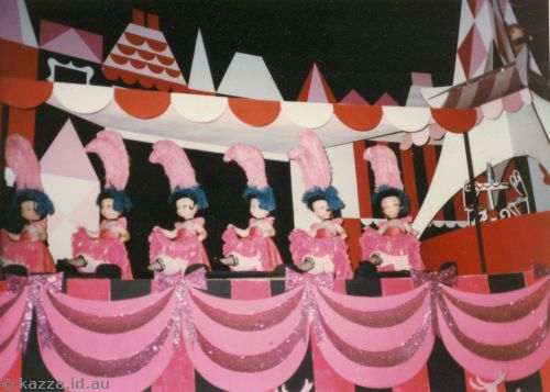 Can Can dancers, Small World